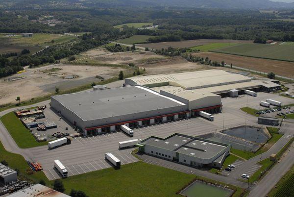 vue aérienne entrepôt